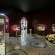 Выставка «Фаберже. Сокровища императорской России» фотографии