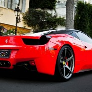 Гоночное такси Ferrari 458 Italia 2017 фотографии