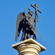Монумент Михаила-Архангела фотографии