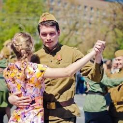 Танцевальная зарядка «Под мирным небом» ко Дню Победы 2021