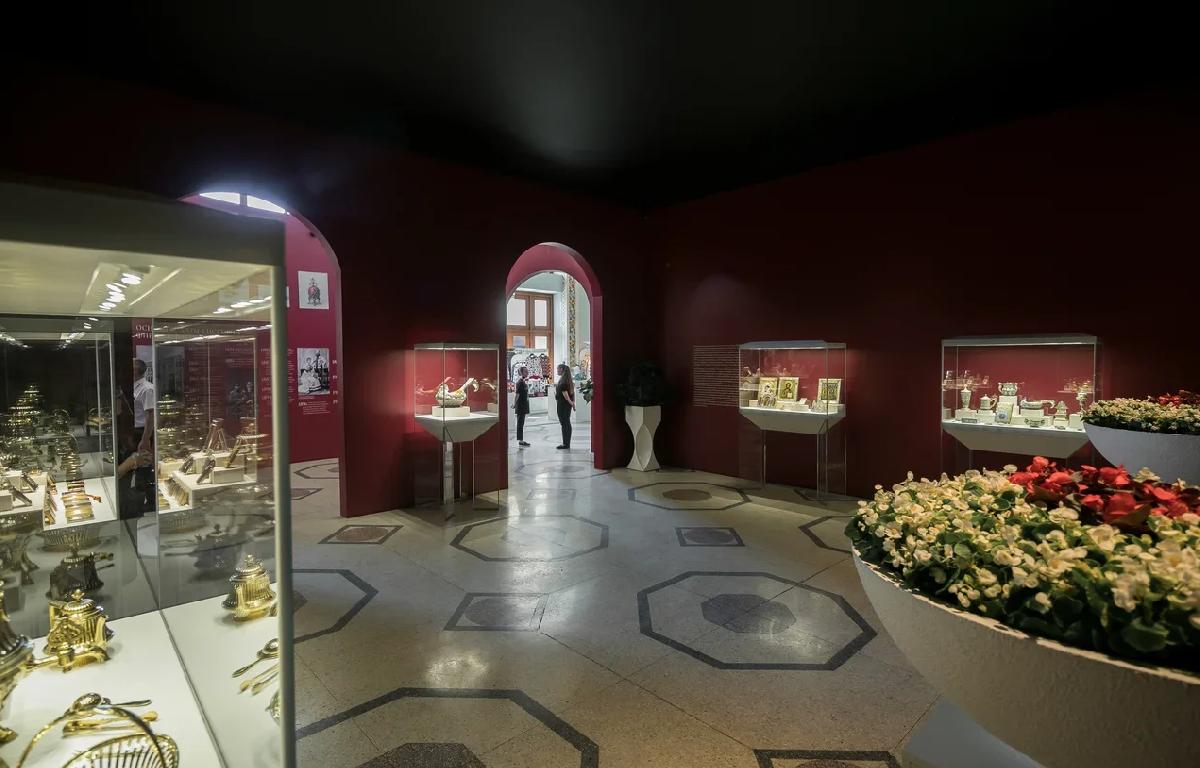 Выставка «Фаберже. Сокровища императорской России»