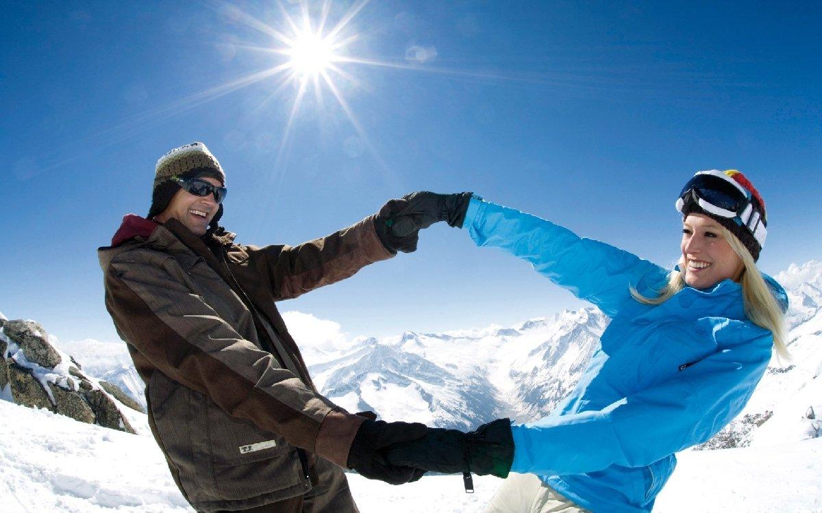 фото мужчин в горах на лыжах имеющимся
