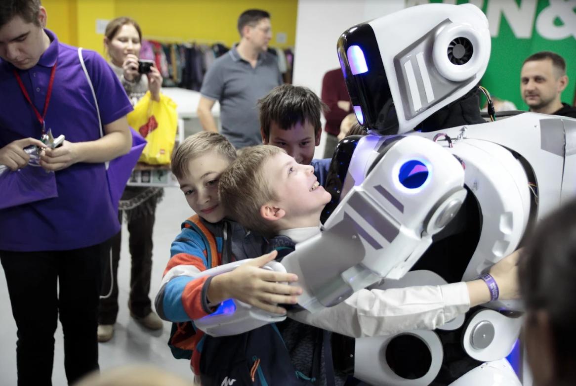 Интерактивная выставка роботов итехнологий «Роботека»
