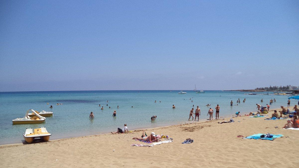 неприятное событие протарас пляж фламинго фото одна немногих марок