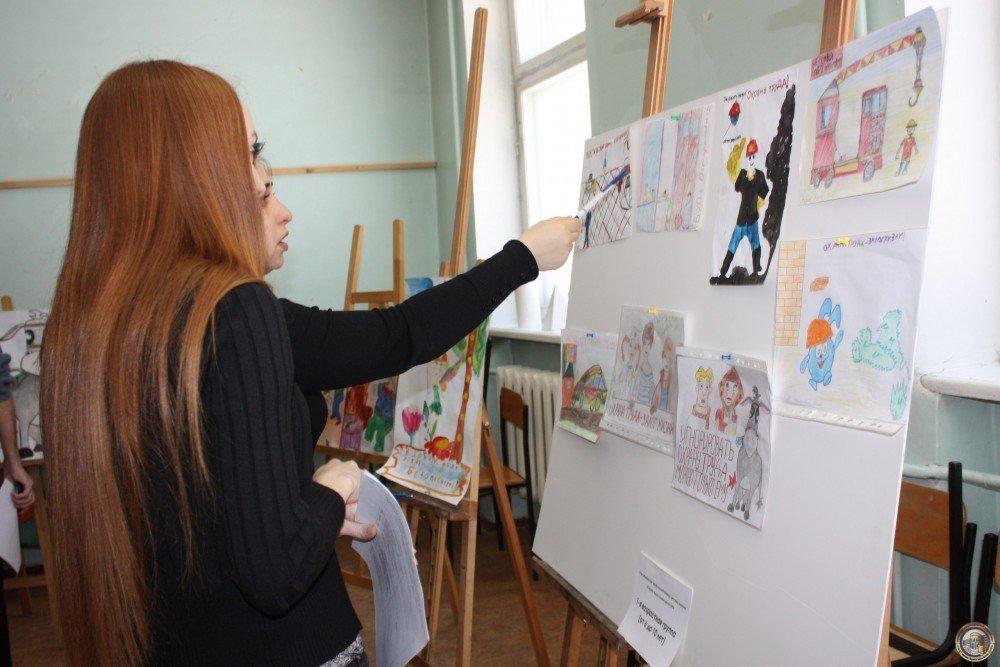 Выставка детского рисунка «Охрана труда глазами детей»