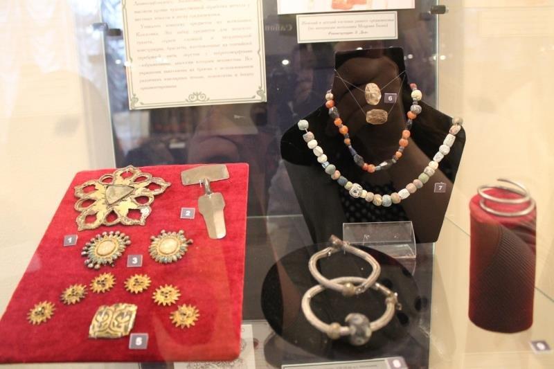 Выставка «Мир женщины винтерьерах исторической памяти. Традиционная культура адыгов»